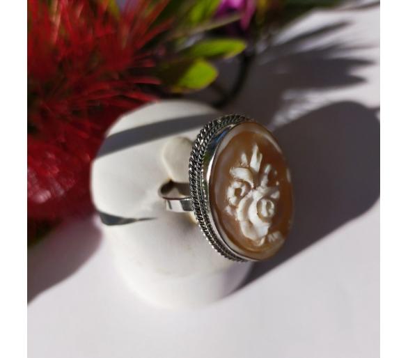 Anello Antico in argento 925 e cammeo ovale